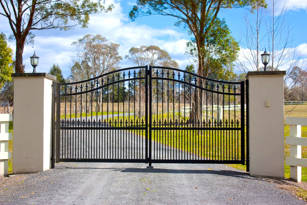 Metal gates fabrication london