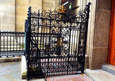 entrance-gates-national-portrait-gallery-london-wc2-05