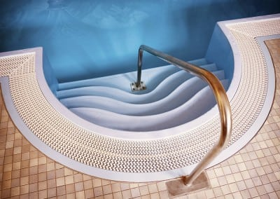 metal-swimming-pool-handrails-02