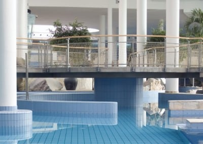 metal-swimming-pool-handrails-3