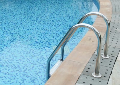 metal-swimming-pool-handrails