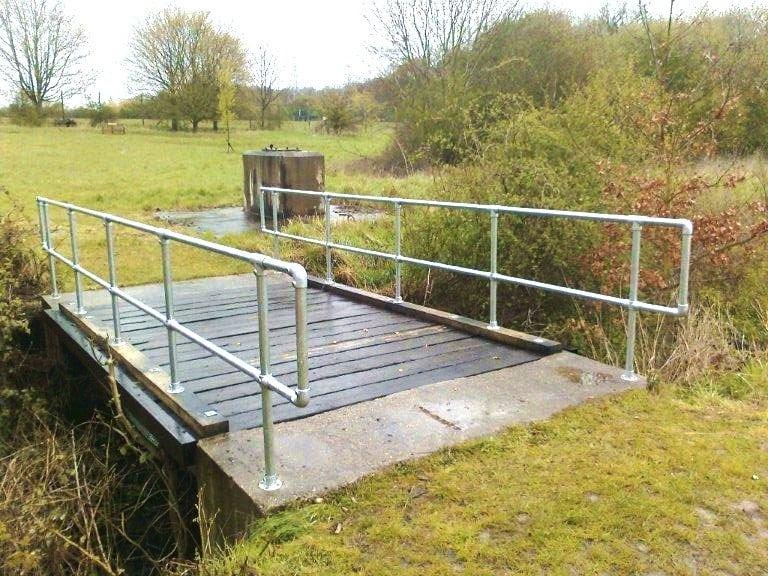 Steel Handrails Amp Wooden Bridge Unilever House