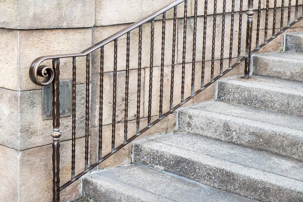 Metal Handrails Bannisters, Outdoor Wooden Handrails For Concrete Steps Uk