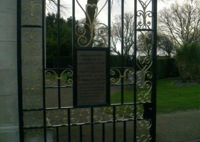 restoration-of-wrought-iron-metal-gates-and-railings-chalkwell-park-southend-on-sea-04