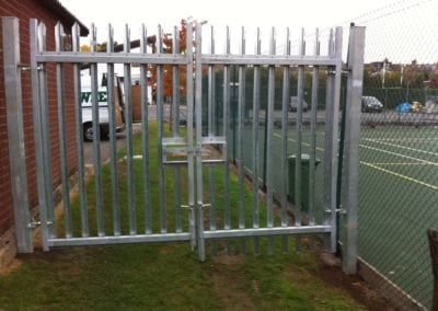 new-metal-gate-for-bancrofts-school-2