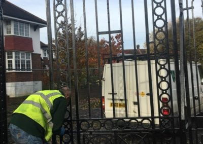park-gate-repairs-arnos-park-london-20