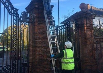 park-gate-repairs-arnos-park-london-21