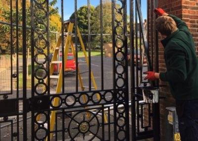 park-gate-repairs-arnos-park-london-35